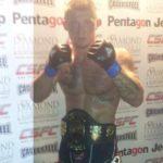Polak wygrywa walkę wieczoru i zdobywa pas CSFC na gali MMA w Doncaster!